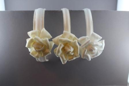 corrispondenza di colore cerca le ultime scarpe classiche Cerchietto con fiore in nastro di seta tubolare BLC-701