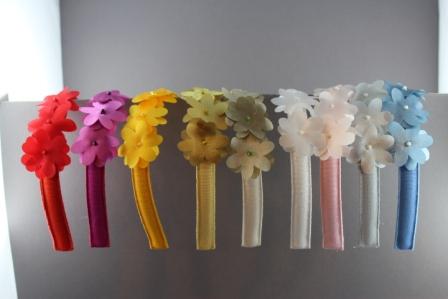 Cerchietto con 3 fiori in raso con perline BSS835 Passapò
